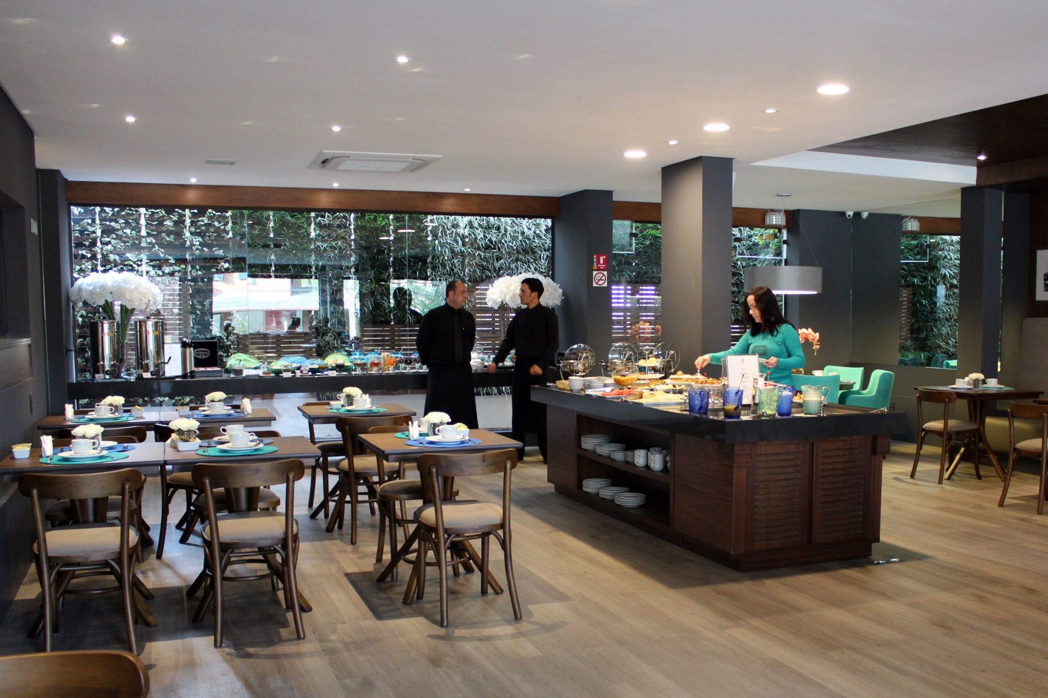 salao cafe hotel cercano