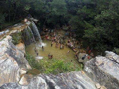 cachoeira vale das borbolatas