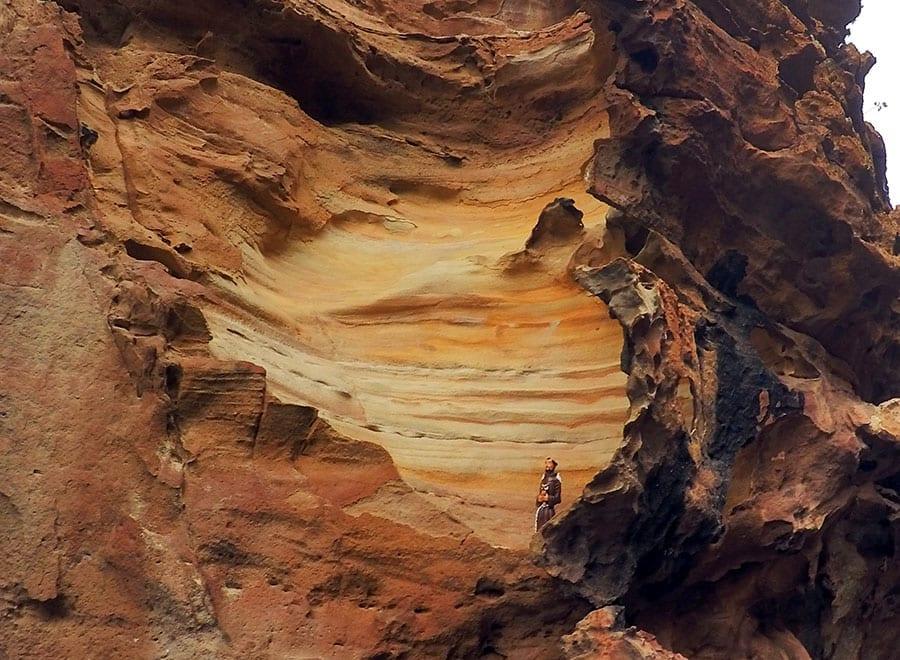 gruta do talhado com imagem de são francisco de assis
