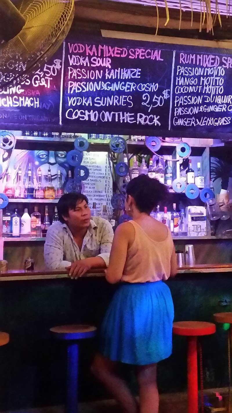 noite siem reap yolo bar