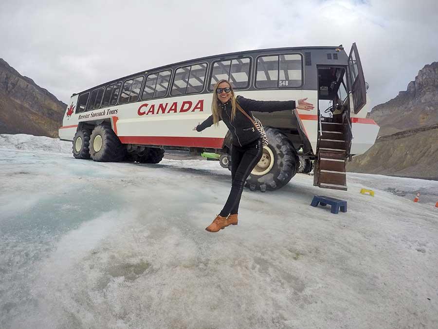 Ônibus que leva os turistas até o glaciar