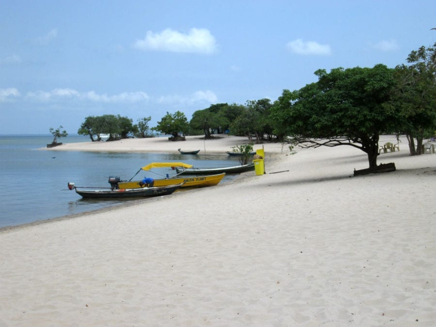praia cajutuba pará