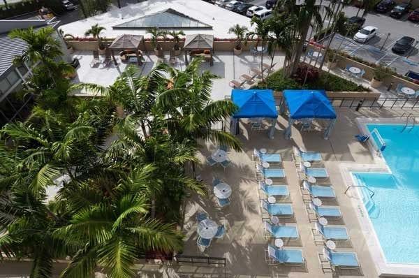 Hotel bom e barato em Miami: Crowne Plaza Miami Airport.