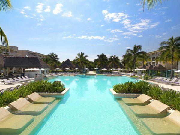 Paradisus La Perla Resort
