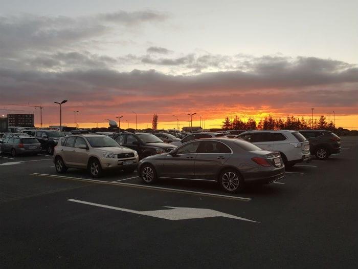 alugar carro na islandia