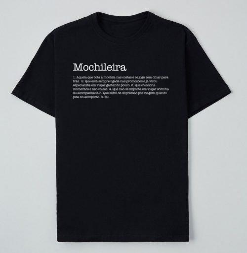 camiseta mochileira preta