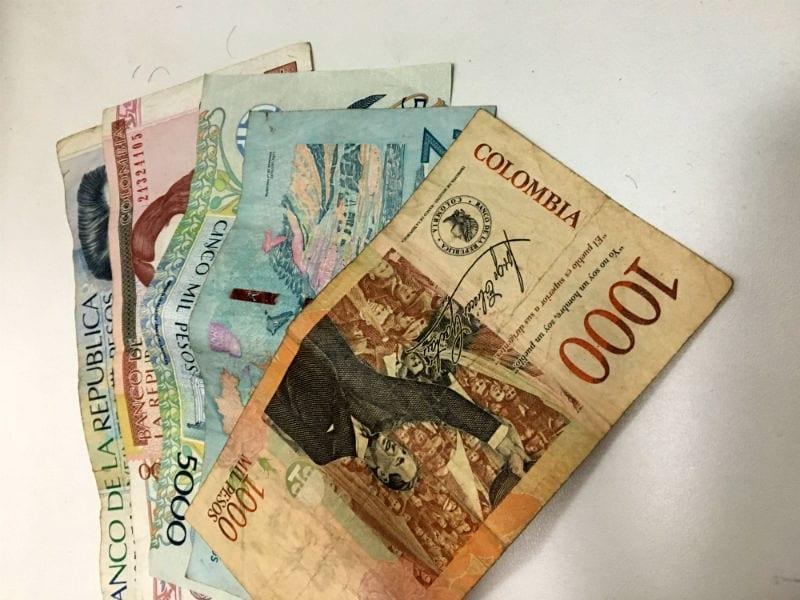 dinheiro pesos colombianos
