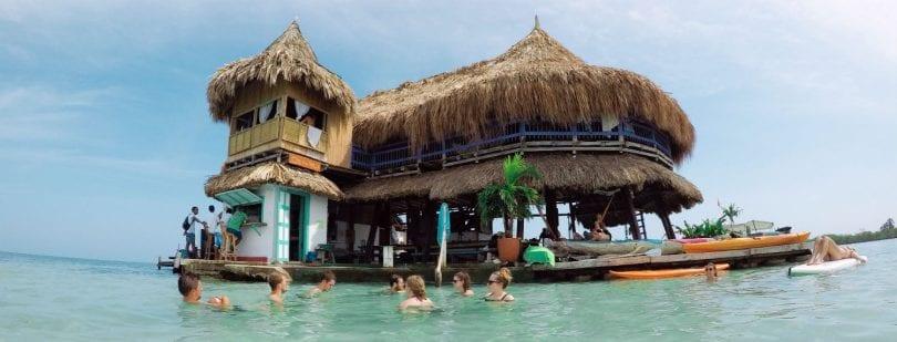 hostel casa en el agua