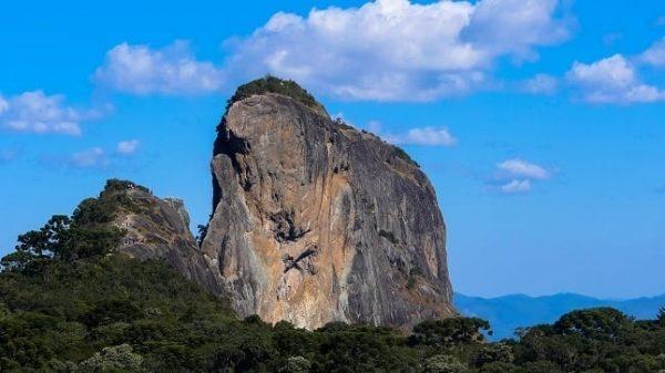 Pedra Baú lugares para ir no frio em sp