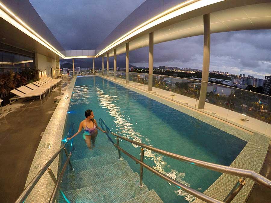piscina hilton barra rio