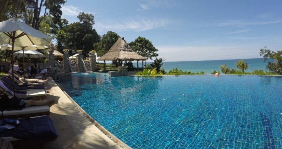 piscina-infinita-praia-pimalai-resort