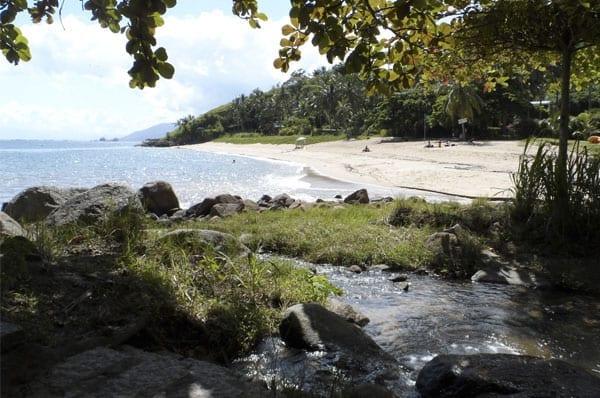 Praias para passar o ano novo: Praia da Feiticeira, Ilhabela.