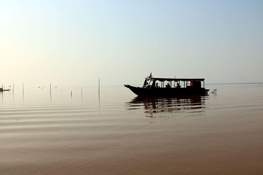 tonle sap river barco