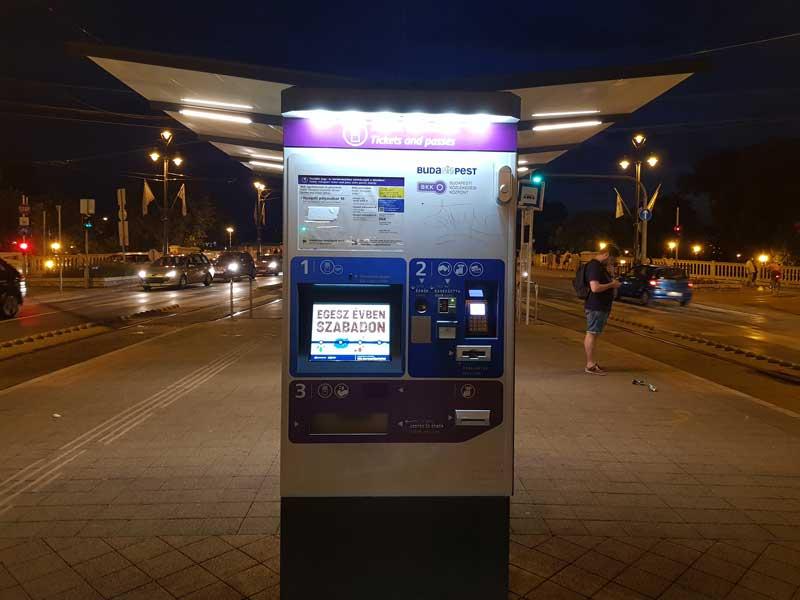 transporte público budapest máquina