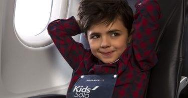 viajar avião crianças