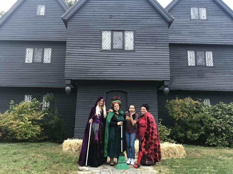 witch house com as irmas sandersons